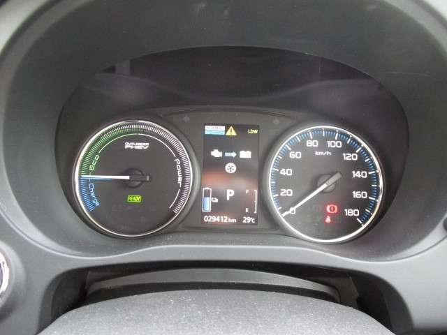 2.0 G ナビパッケージ 4WD 電動スライドサンルーフ(6枚目)