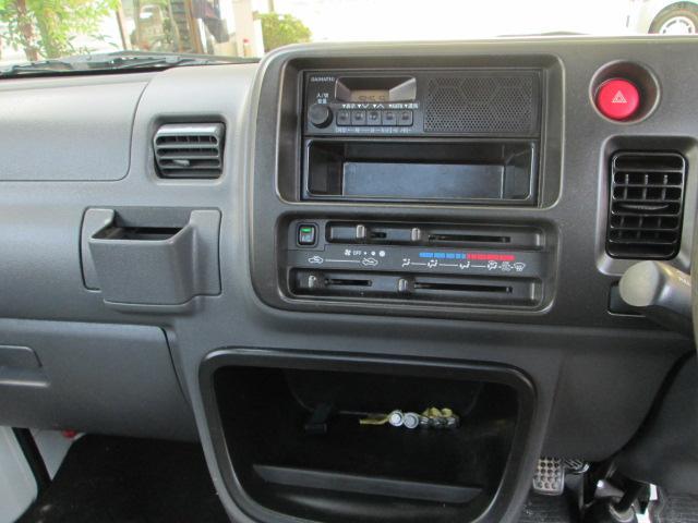スペシャル 4WD 5MT タイミングチェーン駆動 エアコン(16枚目)