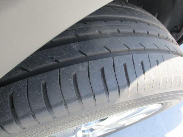 タイヤの溝もしっかり残ってます!