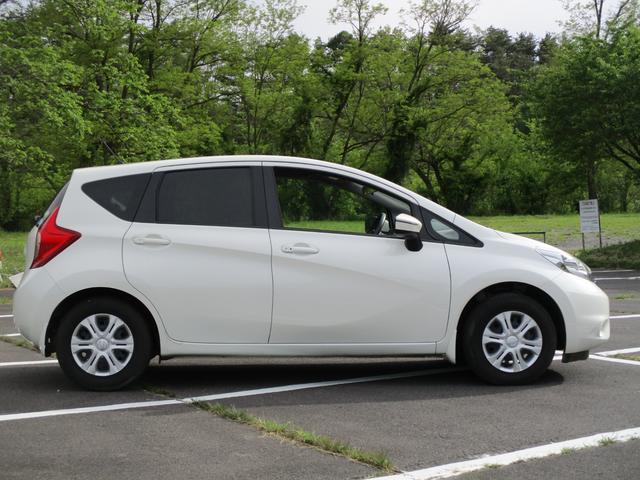 初度登録から15年,15万kまでのお車に全車一年間の保証付き!全国お近くの正規ディーラーでの保証修理も可能です。詳細は当店迄!