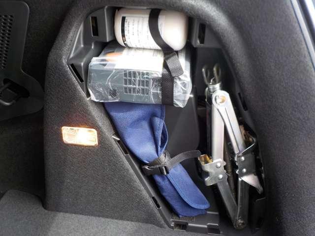 ホンダ フィットハイブリッド Lパッケージ 元当社試乗車4WD ナビ リカカメラETC