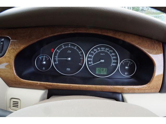 スピードメーターは260kmまで刻んであります。試運転を心がけていますので走行距離は伸びます。