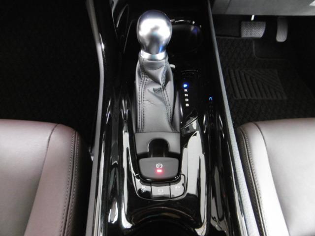 トヨタ C-HR G ハイブリット LEDヘッドライト フルセグナビ ETC
