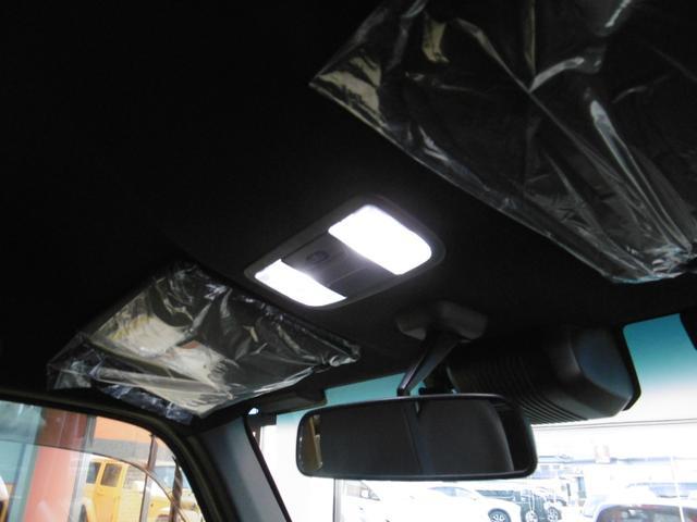 さりげなくLED室内灯がとっても明るくて助かります。