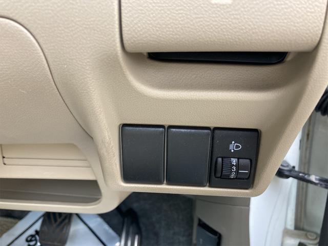 F 4WD 5速マニュアル 盗難防止システム  CDプレーヤー アルミホイール キーレス(4枚目)
