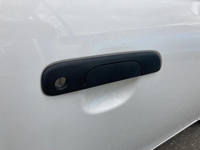 F 4WD 5速マニュアル 盗難防止システム  CDプレーヤー アルミホイール キーレス(38枚目)
