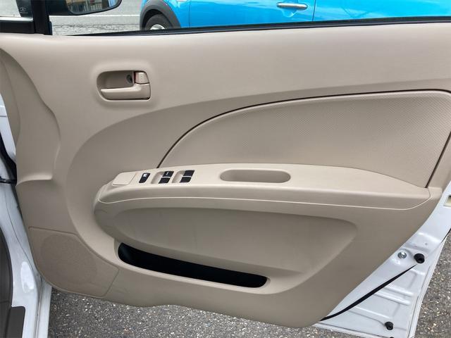 F 4WD 5速マニュアル 盗難防止システム  CDプレーヤー アルミホイール キーレス(39枚目)