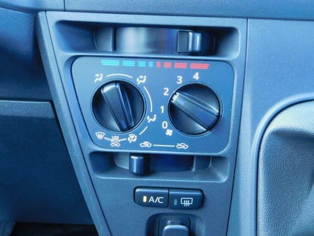 室内を快適な空間にしてくれるエアコン装備!なかったら困ってしまいますね。。。