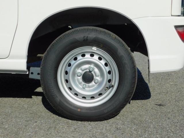 タイヤの山は十分にあります!まだまだイケます。