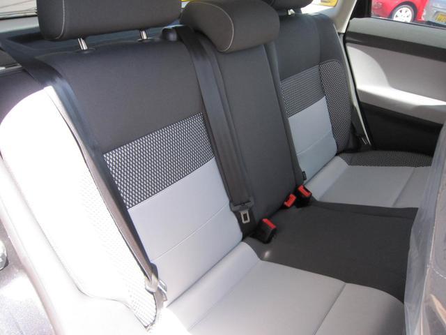 フォルクスワーゲン VW ポロ クロスポロ ディーラー車 右ハンドル キーレス