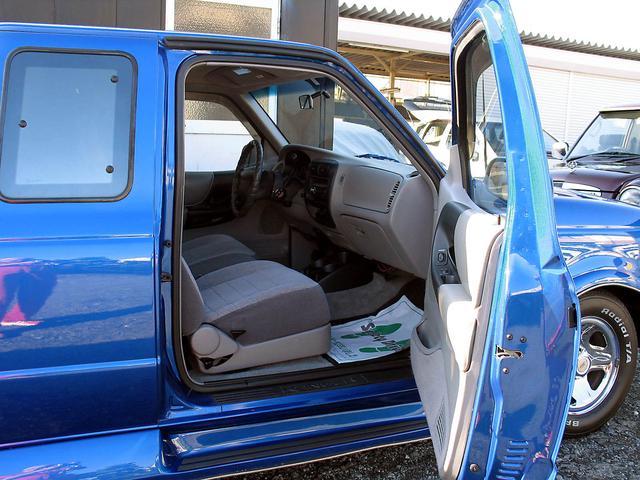 「フォード」「レンジャー」「SUV・クロカン」「山梨県」の中古車28