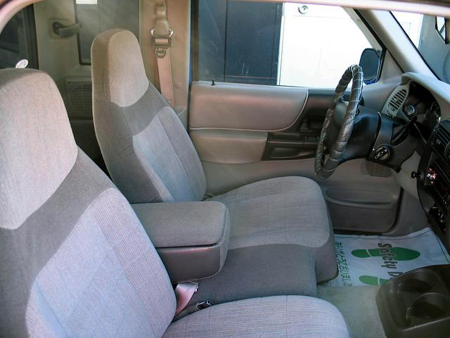 「フォード」「レンジャー」「SUV・クロカン」「山梨県」の中古車31