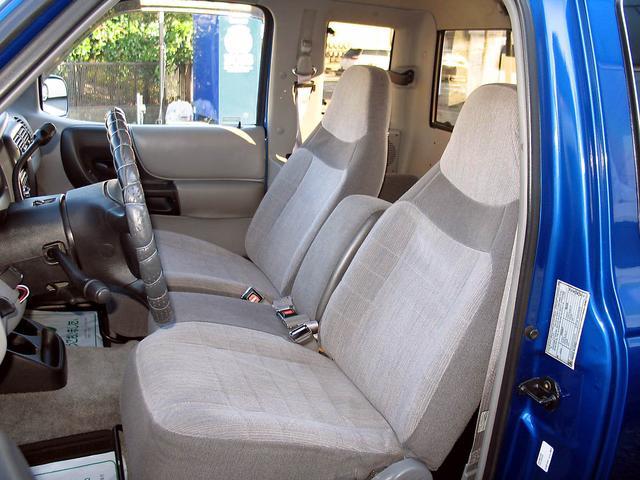 「フォード」「レンジャー」「SUV・クロカン」「山梨県」の中古車37