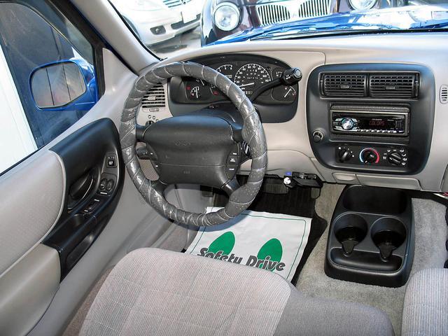 「フォード」「レンジャー」「SUV・クロカン」「山梨県」の中古車42