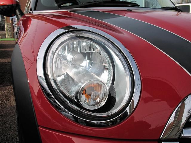 クーパー クラブマン OZ17インチブラックアルミ ダウンサス 新品ブラックレザー/レッドステッチパイピングシートカバー ボンネットクーパーストライプ レッドチェッカードアミラー Bluetoothトランスミッター(11枚目)