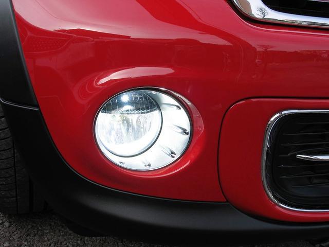 クーパー クラブマン OZ17インチブラックアルミ ダウンサス 新品ブラックレザー/レッドステッチパイピングシートカバー ボンネットクーパーストライプ レッドチェッカードアミラー Bluetoothトランスミッター(13枚目)