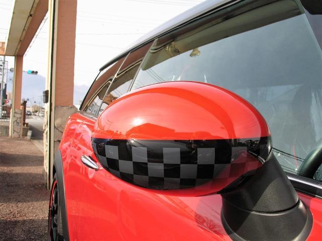 クーパー クラブマン OZ17インチブラックアルミ ダウンサス 新品ブラックレザー/レッドステッチパイピングシートカバー ボンネットクーパーストライプ レッドチェッカードアミラー Bluetoothトランスミッター(17枚目)