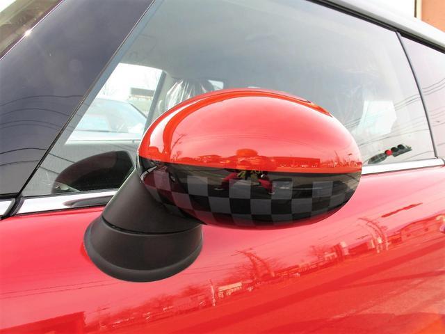 クーパー クラブマン OZ17インチブラックアルミ ダウンサス 新品ブラックレザー/レッドステッチパイピングシートカバー ボンネットクーパーストライプ レッドチェッカードアミラー Bluetoothトランスミッター(18枚目)