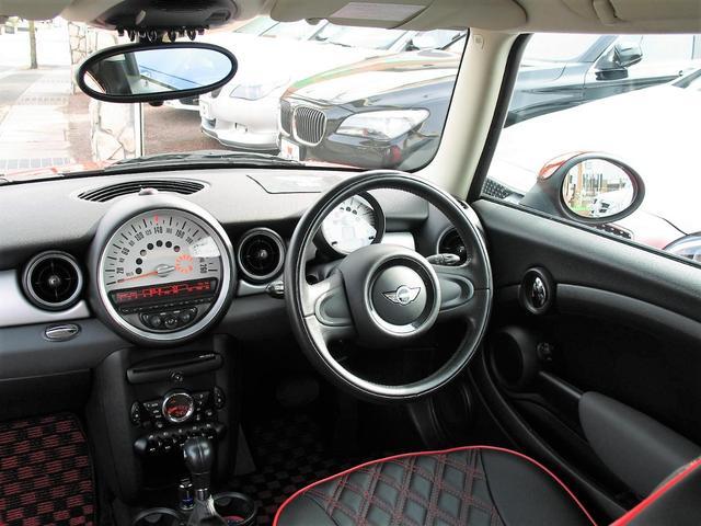 クーパー クラブマン OZ17インチブラックアルミ ダウンサス 新品ブラックレザー/レッドステッチパイピングシートカバー ボンネットクーパーストライプ レッドチェッカードアミラー Bluetoothトランスミッター(30枚目)
