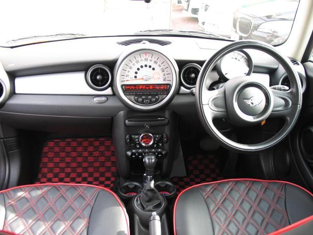クーパー クラブマン OZ17インチブラックアルミ ダウンサス 新品ブラックレザー/レッドステッチパイピングシートカバー ボンネットクーパーストライプ レッドチェッカードアミラー Bluetoothトランスミッター(41枚目)