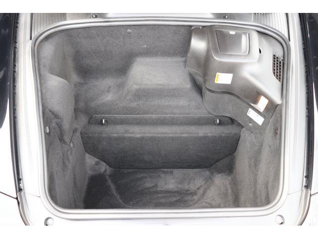 911カレラS ディーラー車 記録簿 PASM(ポルシェアクティブサスペンションマネージメント) レッドキャリパー ブラックレザー 純正ナビ アルカンターラルーフラインイング(18枚目)
