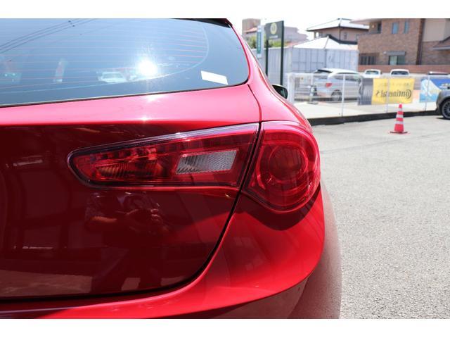 スプリントジュニア ワンオーナー車 アイドリングストップ 社外ナビ フルセグTV Bluetooth DNAシステム キセノンヘッドライト フロントドライブレコーダー 純正17インチアルミホイール スペアキー 記録簿(26枚目)