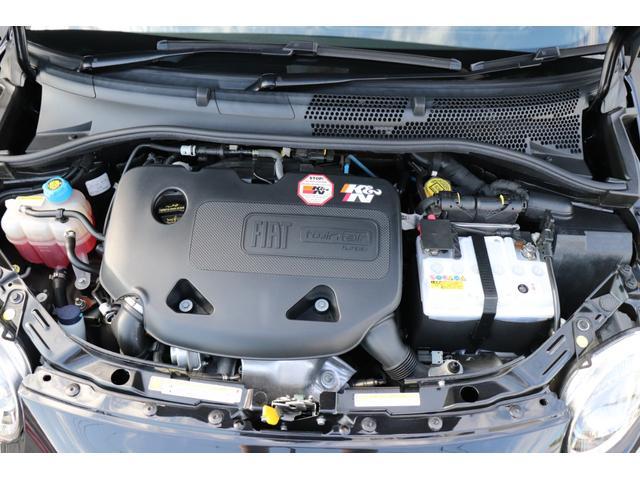 デチベル スロットルコントローラー H&Rダウンサス ハーフレザーシート Uconect Beatsサウンドシステム 限定車 SPARCOkクロモドラ グットイヤーオールシーズンタイヤ ミラーカバー(19枚目)