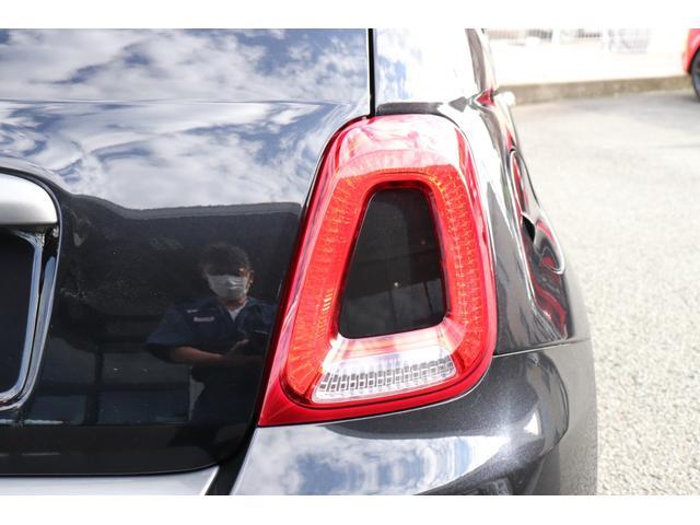 デチベル スロットルコントローラー H&Rダウンサス ハーフレザーシート Uconect Beatsサウンドシステム 限定車 SPARCOkクロモドラ グットイヤーオールシーズンタイヤ ミラーカバー(27枚目)