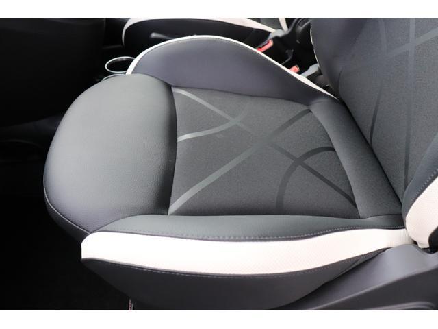 デチベル スロットルコントローラー H&Rダウンサス ハーフレザーシート Uconect Beatsサウンドシステム 限定車 SPARCOkクロモドラ グットイヤーオールシーズンタイヤ ミラーカバー(36枚目)