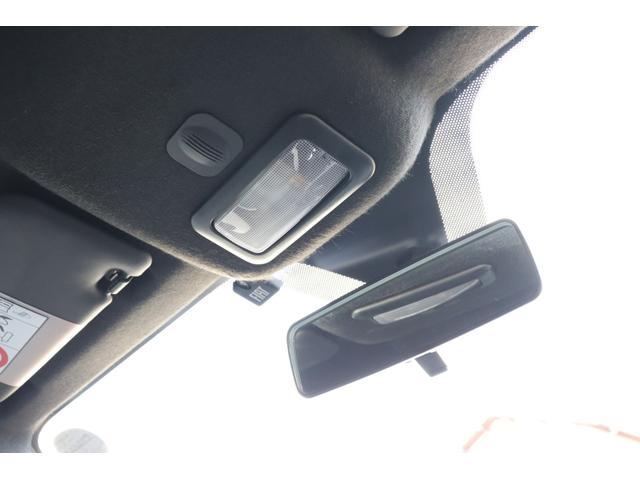 デチベル スロットルコントローラー H&Rダウンサス ハーフレザーシート Uconect Beatsサウンドシステム 限定車 SPARCOkクロモドラ グットイヤーオールシーズンタイヤ ミラーカバー(54枚目)