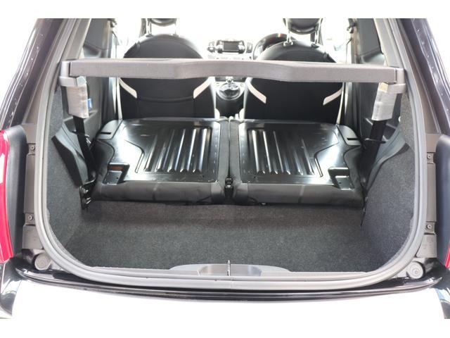 デチベル スロットルコントローラー H&Rダウンサス ハーフレザーシート Uconect Beatsサウンドシステム 限定車 SPARCOkクロモドラ グットイヤーオールシーズンタイヤ ミラーカバー(58枚目)