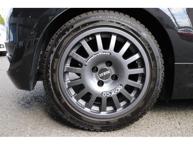 デチベル スロットルコントローラー H&Rダウンサス ハーフレザーシート Uconect Beatsサウンドシステム 限定車 SPARCOkクロモドラ グットイヤーオールシーズンタイヤ ミラーカバー(60枚目)