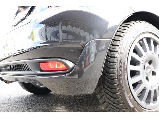 デチベル スロットルコントローラー H&Rダウンサス ハーフレザーシート Uconect Beatsサウンドシステム 限定車 SPARCOkクロモドラ グットイヤーオールシーズンタイヤ ミラーカバー(72枚目)