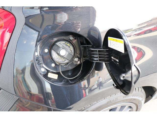 デチベル スロットルコントローラー H&Rダウンサス ハーフレザーシート Uconect Beatsサウンドシステム 限定車 SPARCOkクロモドラ グットイヤーオールシーズンタイヤ ミラーカバー(73枚目)