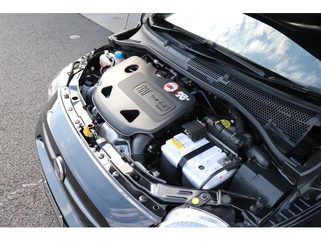 デチベル スロットルコントローラー H&Rダウンサス ハーフレザーシート Uconect Beatsサウンドシステム 限定車 SPARCOkクロモドラ グットイヤーオールシーズンタイヤ ミラーカバー(79枚目)