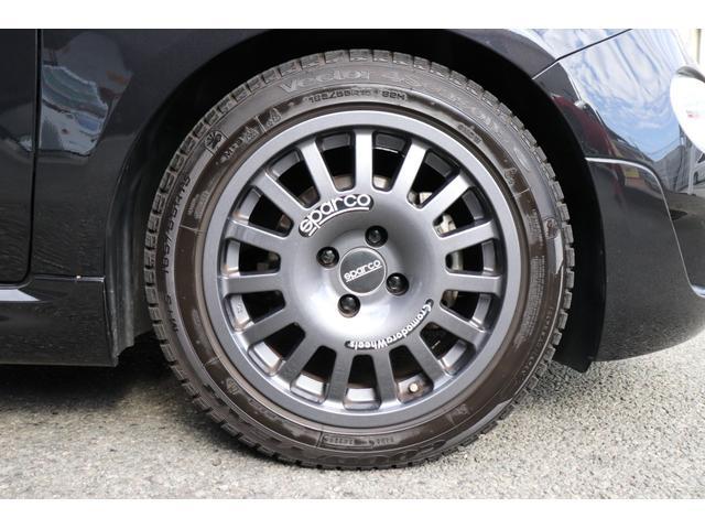 デチベル スロットルコントローラー H&Rダウンサス ハーフレザーシート Uconect Beatsサウンドシステム 限定車 SPARCOkクロモドラ グットイヤーオールシーズンタイヤ ミラーカバー(80枚目)