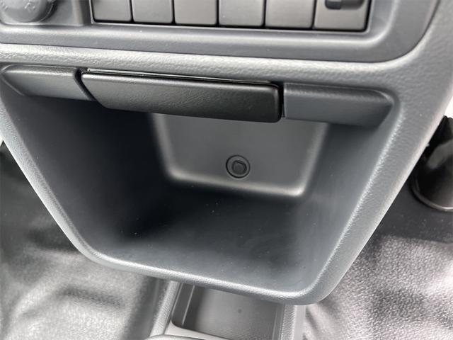 KCエアコン・パワステ 4WD オートマ 切替式4WD Wエアバッグ フロアマット バイザー ラジオ スペアタイヤ 三方開 鳥居アングル 届出済未使用車(38枚目)