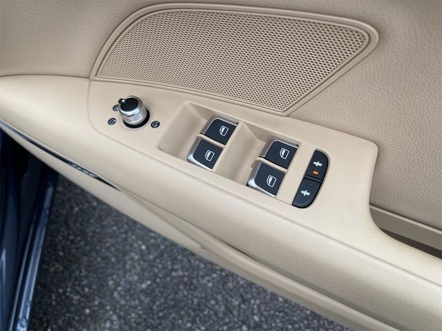 3.0TFSIクワトロ V6スーパーチャージャー 4WD BOSEサウンドシステム 純正インダッシュHDDナビ フルセグ バックカメラ 本革 シートヒーター オートスポイラー パドルシフト オートトランク(37枚目)