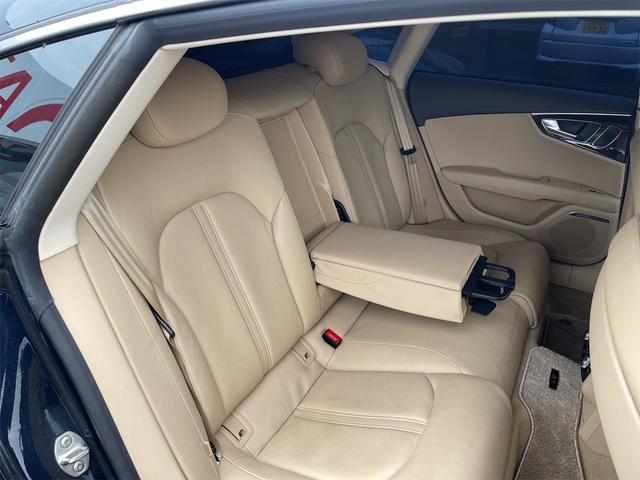 3.0TFSIクワトロ V6スーパーチャージャー 4WD BOSEサウンドシステム 純正インダッシュHDDナビ フルセグ バックカメラ 本革 シートヒーター オートスポイラー パドルシフト オートトランク(77枚目)
