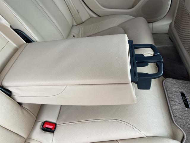3.0TFSIクワトロ V6スーパーチャージャー 4WD BOSEサウンドシステム 純正インダッシュHDDナビ フルセグ バックカメラ 本革 シートヒーター オートスポイラー パドルシフト オートトランク(78枚目)