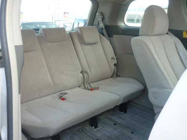 *サードシートもゆったり広々です!!