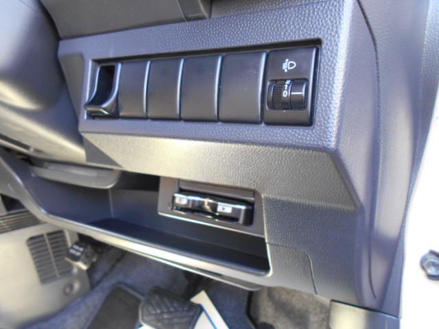 X ホワイトルーフ スマ-トキ- Wエアバッグ パワーウィンドウ 地デジTV AAC フルフラット ナビ/TV ベンチ DVD 衝突安全ボディ SDナビ パワステ エアバック USB ETC車載器(14枚目)