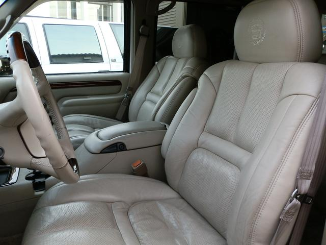 「キャデラック」「キャデラックエスカレード」「SUV・クロカン」「山梨県」の中古車16