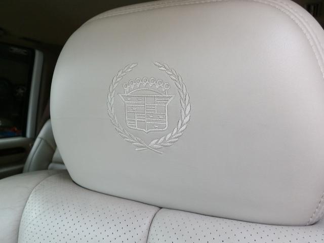 「キャデラック」「キャデラックエスカレード」「SUV・クロカン」「山梨県」の中古車17