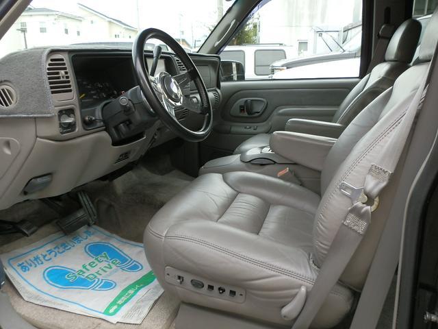 「シボレー」「シボレーサバーバン」「SUV・クロカン」「山梨県」の中古車23