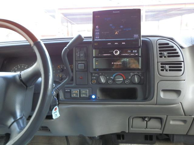「シボレー」「シボレーサバーバン」「SUV・クロカン」「山梨県」の中古車28