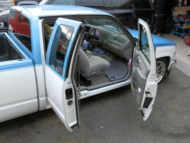 「シボレー」「シボレーC-1500」「SUV・クロカン」「山梨県」の中古車47
