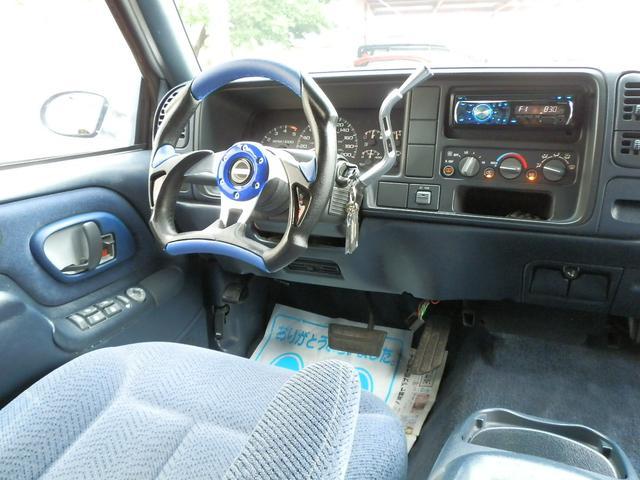 「シボレー」「シボレー サバーバン」「SUV・クロカン」「山梨県」の中古車21