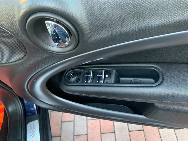 クーパーS クロスオーバー 後期モデル ターボ車 5人乗り HDDナビ ETC車載器 キセノンライト 禁煙車 17インチアルミ(15枚目)