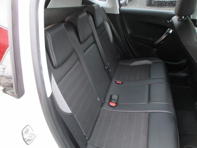 「プジョー」「プジョー 2008」「SUV・クロカン」「山梨県」の中古車22